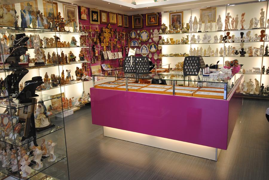 centro vetrine negozi gsn allestimento negozi   arredo souvenir ... - Arredamento Interni Negozi Roma